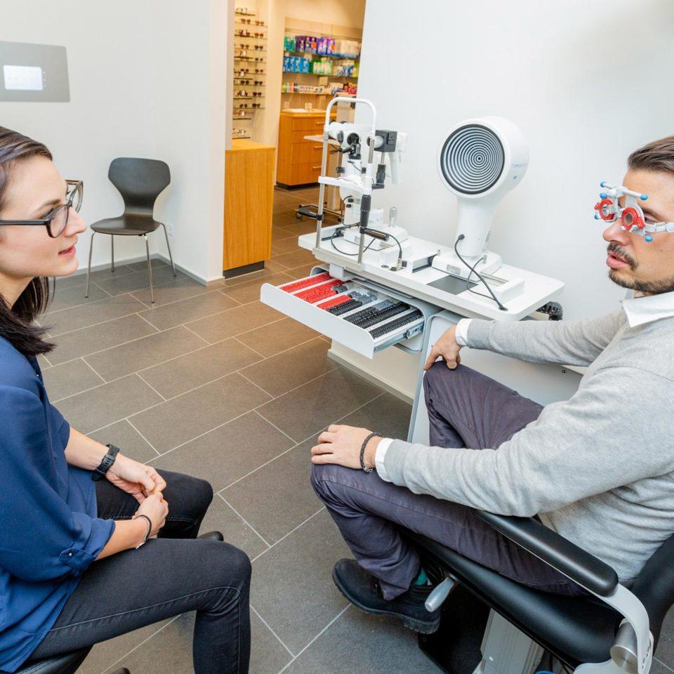 Gratis Sehtest beim Optiker Waldegg